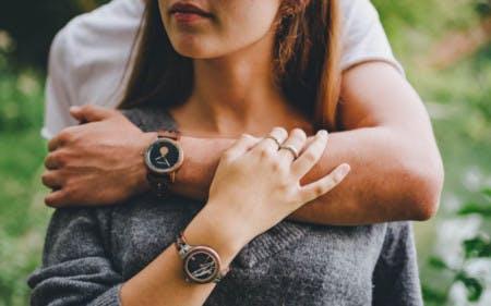 Vergünstigte Uhren aus Holz mit einem Holzkern-Gutschein