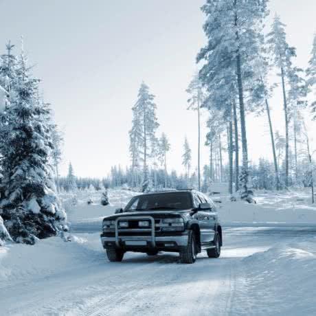 Auto, Bahn und Co: So geht's günstig in den Winterurlaub