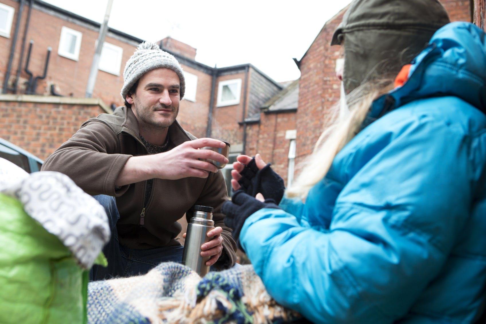 Obdachlosen helfen