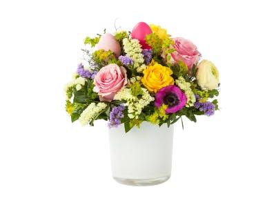 Blumen kommen bei Frau immer gut an