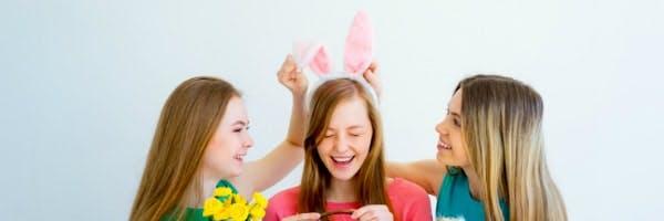 Drei Frauen feiern Ostern