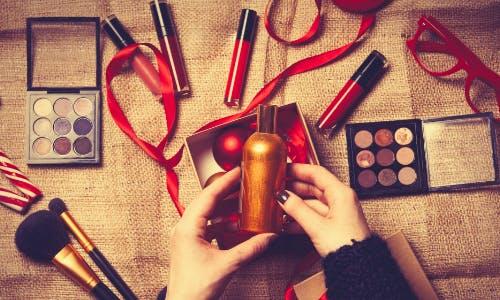 Beautyprodukte zu Weihnachten verschenken