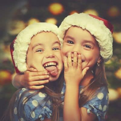 Süße Weihnachtsgeschenke für Kindergartenkinder von Hörspielen bis Spielküchen
