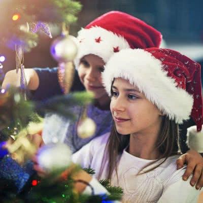 Weihnachtsgeschenke für Grundschulkinder sollten die Fantasie anregen.