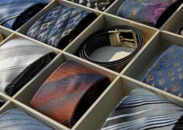 Sakkos und Anzüge bei Herrenausstatter kaufen