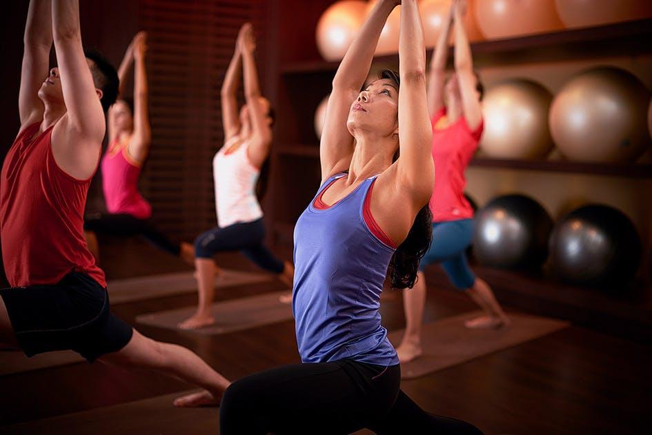 Auch für Yoga-Kurse gültig: ein Rabattgutschein für Fitness First