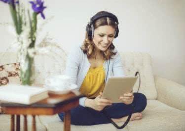 Genieße ein einmaliges Klangerlebnis mit auna-Kopfhörern