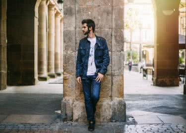 Jeans, Jacken und Hemden bei Wrangler shoppen