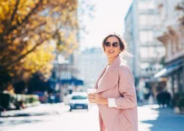 Entdecke Designer bei Stylbop und kaufe hochwertige Damen- und Herrenmode