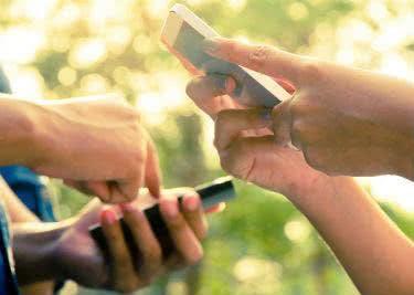 Bei 7mobilewählt ihr aus zahlreichen Handys und Tarifen und findet so das passende Angebot.