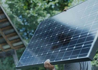 Ökostrom von ENTEGA kommt aus vielen Quellen. Auch Solarstrom ist dabei.