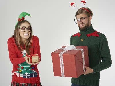 Weihnachtsgeschenke tauschen mit Freunden oder Familie