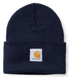 Eine Carhartt-Mütze ist ein echter Klassiker für das Winter-Outfit.